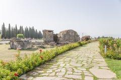 Hierapolis, die Türkei Alte Gräber im Friedhof Stockbilder