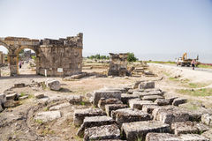 Hierapolis, die Türkei Domitian Gate, 86-87 Jahre ANZEIGE Ansicht vom Friedhof Stockfotografie