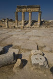 Hierapolis : Fléaux doriques de rue principale Photos stock