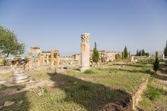 Hierapolis, Turcja Ruiny na antykwarskiej Frontinus ulicie Obraz Stock