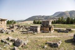 Hierapolis Turkiet Landskapet i området av den arkeologiska platsen av den Hierapolis nekropolen Royaltyfria Foton