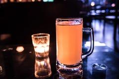 hierba de la cerveza y de la vela Foto de archivo