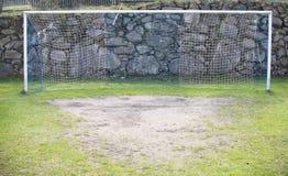 Hierba verde del fútbol del fútbol neto de la meta Foto de archivo