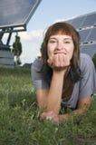 Hierba verde y photovoltaics Foto de archivo libre de regalías