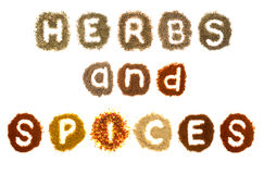 Hierbas clasificadas y especias que deletrean las palabras Foto de archivo libre de regalías