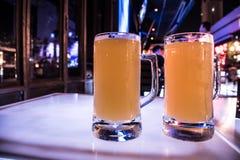 hierbas dobles de la cerveza Imagenes de archivo