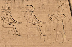 Hieroglyph do deus de Horus fotografia de stock