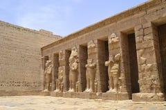 Hieroglyphics en el templo de Medinat Habu Fotos de archivo