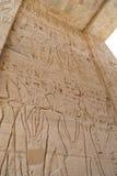 Hieroglyphics no templo de Medinat Habu fotografia de stock royalty free