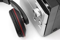 Hifi- system och hörlurar Arkivbild