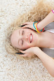 High angle of teen girl listening to music Royalty Free Stock Photos