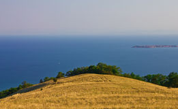 High hill above the sea Royalty Free Stock Photography