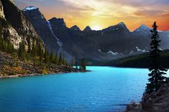 Amazing Sunset Mountains Lake, Canada stock image