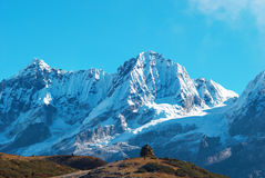 High mountains, covered by snow. Royalty Free Stock Photography