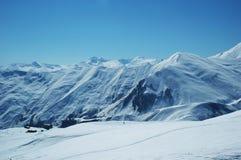 High mountains under snow Royalty Free Stock Photos