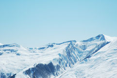 High mountains under snow Royalty Free Stock Photos