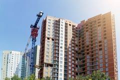 High-rise gebouwen in aanbouw en de bouwkraan Stock Fotografie