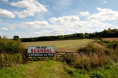 High Speed Rail sign. High Speed Rail 2 Scandal sign (HS2) in a field in Buckinghamshire Stock Photo