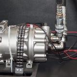 High-Teche und hochwertige Dreh- oder Schaufelhochdruckvakuumpumpen, zum einer konstanten Strömungsgeschwindigkeit des Öls zu ste lizenzfreies stockfoto