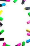 Highlighteres coloridos isolados no branco Imagens de Stock Royalty Free
