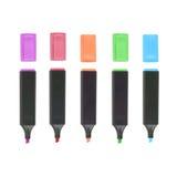 Highlighteres coloridos isolados para o trabalho e o estudo no fundo branco Fotos de Stock
