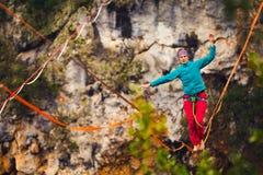 Highline dans les montagnes image stock