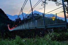 Highline 179 hangend brug en Fort Claudia bij Zonsondergang Royalty-vrije Stock Foto