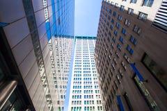 Highrise budynki w Wall Street pieniężnym Obraz Stock