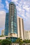 Highrise en Fort Lauderdale céntrico, la Florida imágenes de archivo libres de regalías