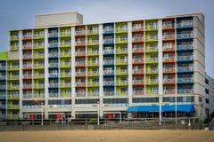 Highrise hotel na graniczący z oceanem w Virginia plaży, Virginia Zdjęcia Stock