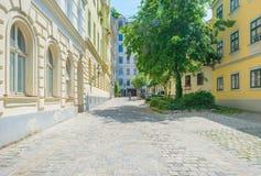 Highrise med lägenheter i Wien Royaltyfri Bild