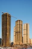 Highrises residenciales bajo construcción imagenes de archivo