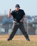 Highschool Baseballschiedsrichter macht den Anruf Lizenzfreie Stockfotografie
