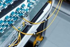 Hightech- Netzkabel lizenzfreie stockfotos