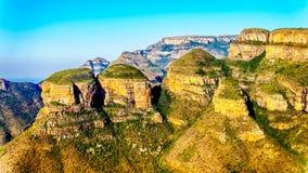 Highveld met Drie Rondavels van de Blyde-Riviercanion langs de Panoramaroute Royalty-vrije Stock Foto's