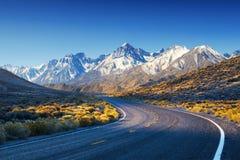 Highwai/дорога в горах США Стоковые Фото