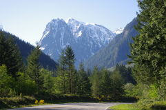 Highway 2 via Cascades. Cascades mountings in Washington state Stock Photography