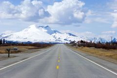 Highway through Alaska Royalty Free Stock Images