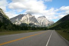 Highway through mountains Royalty Free Stock Photos