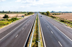 Highway traffic in a sunny day Royalty Free Stock Photos
