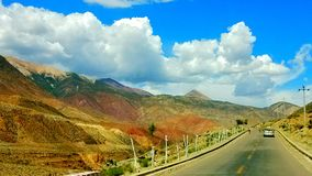 highways on the qinghai-tibet plateau stock images