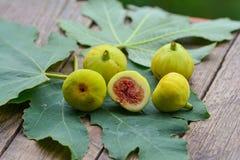 Higos amarillos maduros Fotografía de archivo libre de regalías