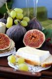 Higos y queso Foto de archivo libre de regalías