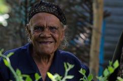HIGUEY, REPUBBLICA DOMINICANA - 29 OTTOBRE 2015: Ritratto della donna domenicana anziana fotografie stock