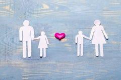 Hij, zij, en kinderen van document de verhouding van familie worden verwijderd die aan elkaar de liefde en het hormoon zouden in  royalty-vrije stock foto's