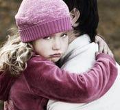 Hija compasiva del papá Imagen de archivo libre de regalías