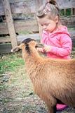 Hija de los granjeros Foto de archivo