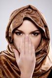 hijab的年轻阿拉伯妇女 免版税库存图片