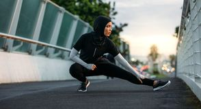 Free Hijab Girl Exercising Outdoors In Early Morning Royalty Free Stock Images - 133299279