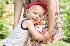 Hijo con la madre Imagen de archivo